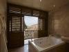 royal_suite_bathroom1