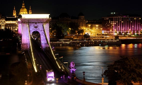 Sofitel budapest chain bridge myfuturehotel for Small luxury hotel chains